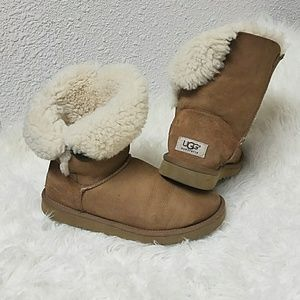 UGG BOOTS AUTHENTIC